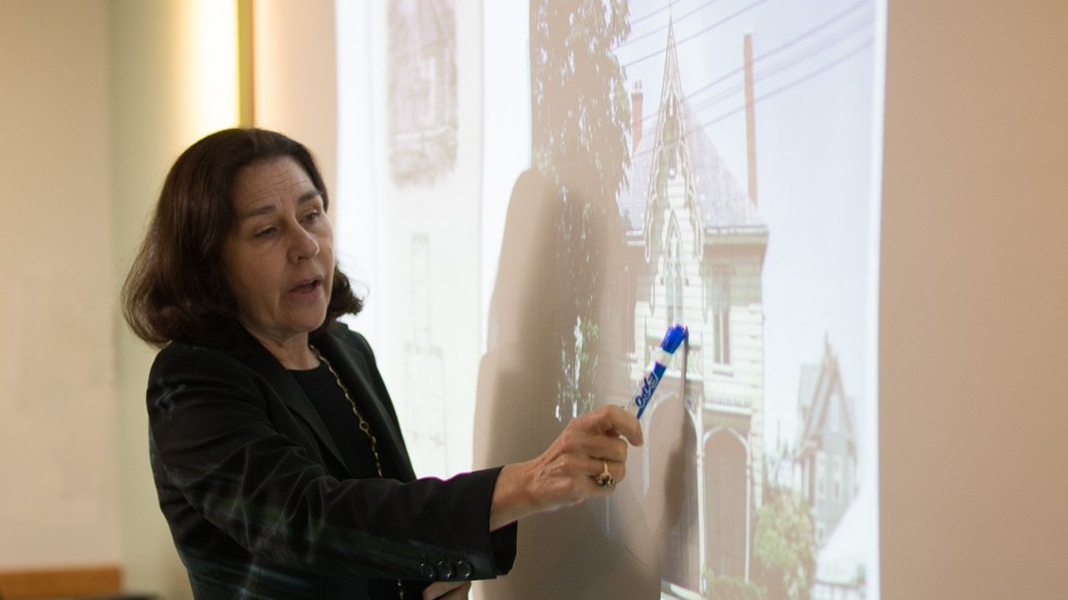 Art History class, Allyson Sheckler, assistant professor of Visual & Performing Arts