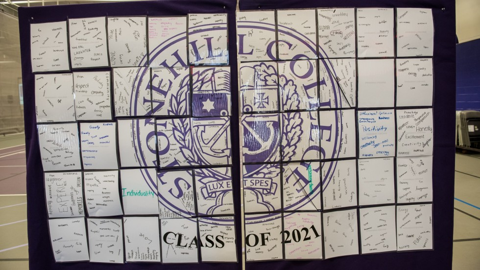 Class of 2021 messages on Stonehill seal