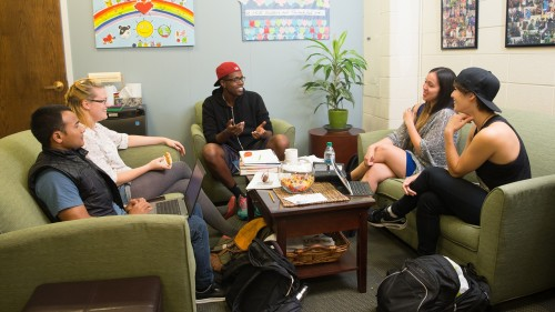 Students meet in Intercultural Affairs Office